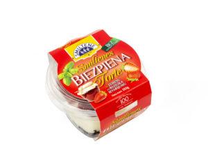 SMILTENE MINI COTTAGE CHEESE CAKE with strawberry-basil jam
